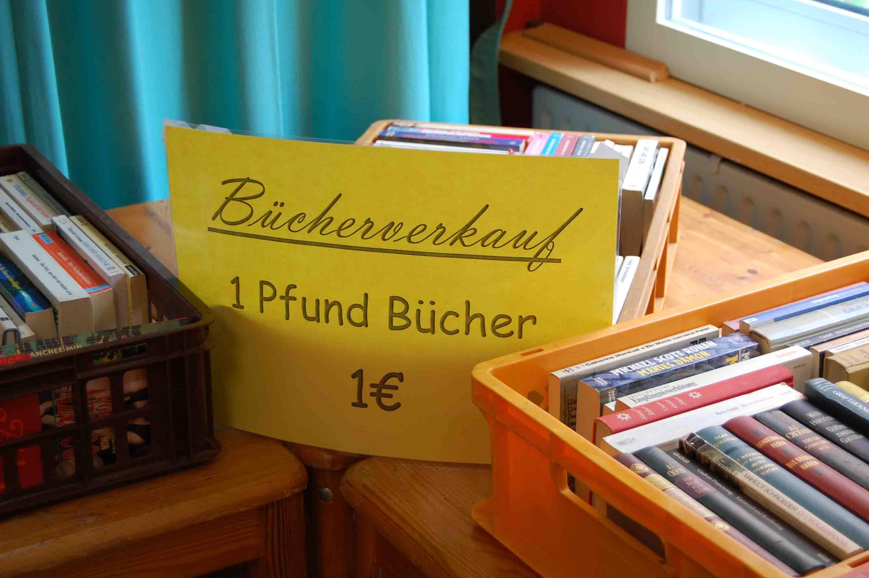 Buecherflohmarkt1.jpg